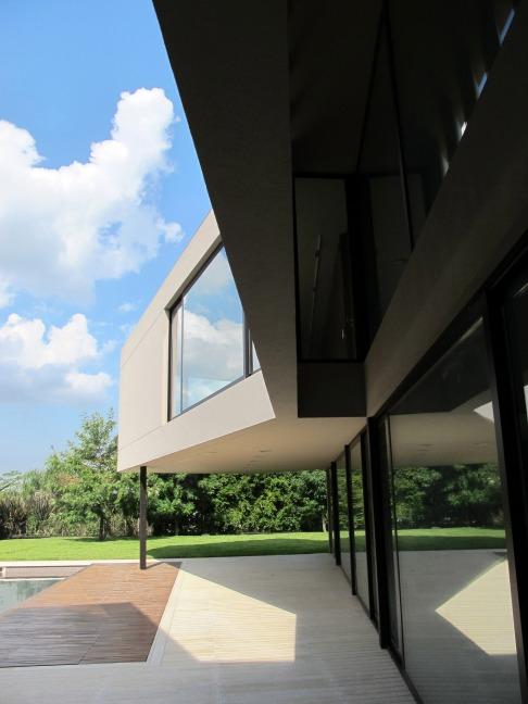 'House in Tigre' by FILM-Obras de Arquitectura